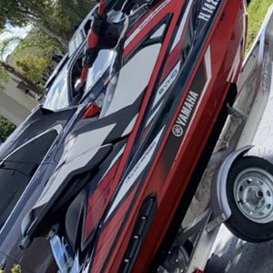 2019 Gp1800 60 Hours Like New Yamaha Jet Ski for Sale in Miami, FL