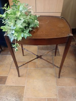 Plant table for Sale in St. Peters, MO