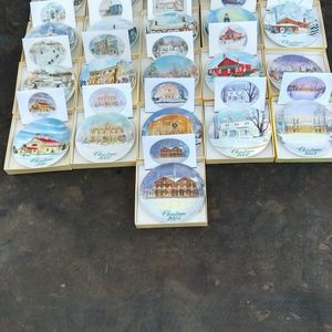 Smuckers Christmas Plates And Cards for Sale in Chico, CA