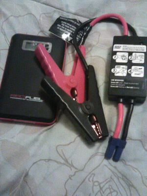 Red lithium jump starter for Sale in Fresno, CA