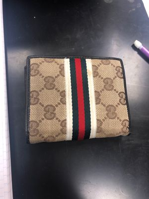 Gucci wallet for Sale in Newark, CA