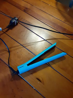 Beyond the beauty hair iron good item for Sale in Upland, CA