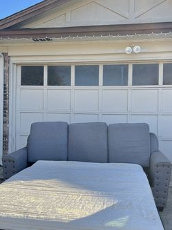 pullout sofa couch - non smoker for Sale in Arlington,  TX