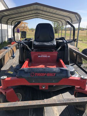 Riding lawn mower for Sale in Venus, TX