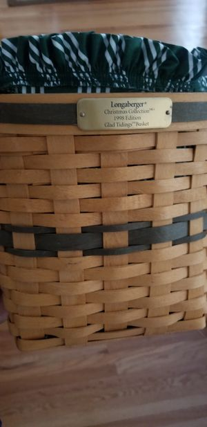 Longaberger Christmas basket for Sale in Pittsford, NY
