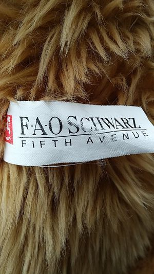 FaoSchwarz Teddy Bear. for Sale in Mission Viejo, CA