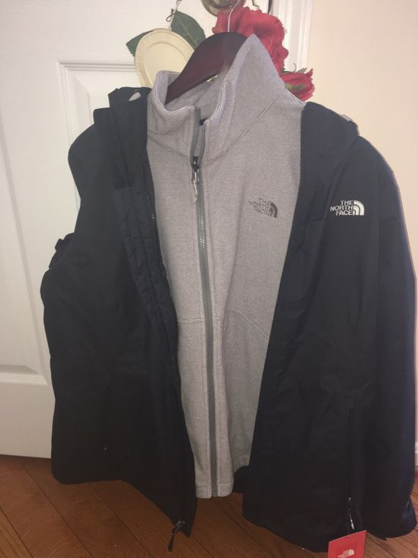 North Face Coat & North Face Zip Up Hoodie Size XL. TWO NORTH FACE Coats For $125 BOTH ARE BRAND NWT's Attached! ASKING PRICE INCLUDES BOTH COATS!