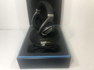 Sennheiser HD 700 Audiophile Professional Studio Headphones for Sale in Grand Prairie, TX