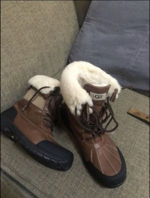 Men's ugg boot size 9.5 for Sale in Bowie, MD