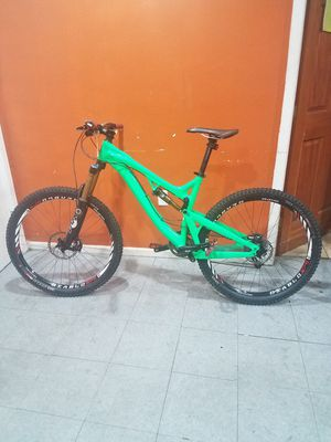 2013 Intense Tracer 275 downhill mountain bike for Sale in Los Angeles, CA