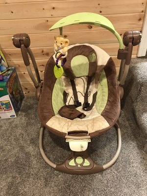 InGenuity Disney Jungle Baby Swing for Sale in Snohomish, WA