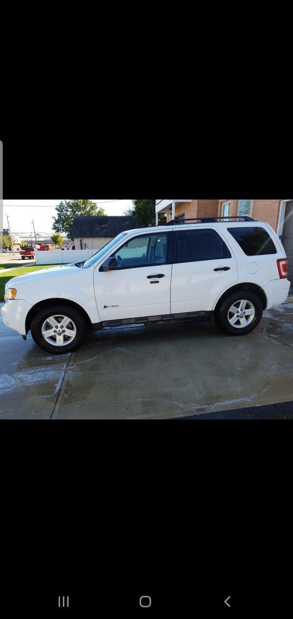 Ford escape hybrid 2010 awd
