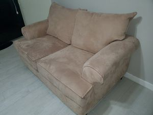 Excellent Loveseat for Sale in Miami, FL