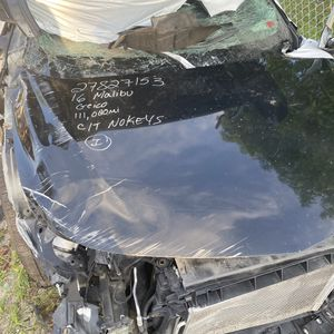 Chevy Malibu part out Chrysler 200 repairable for Sale in Miami, FL