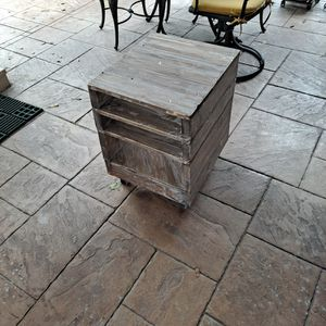 Distressed End Table for Sale in Spring, TX