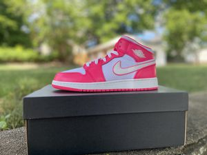 Womens Air Jordan Retro 1 Mid - Sz 7Y for Sale in Torrington, CT