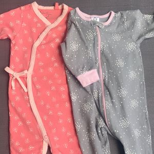 Baby Footed Pajama Duo Jessica Simpson And Gerber Size 6-9 Months for Sale in Henderson, NV