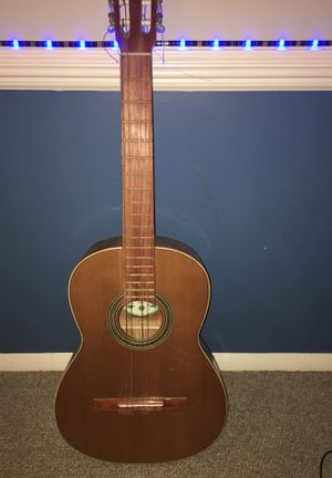 Acoustic guitar for Sale in Gaithersburg, MD