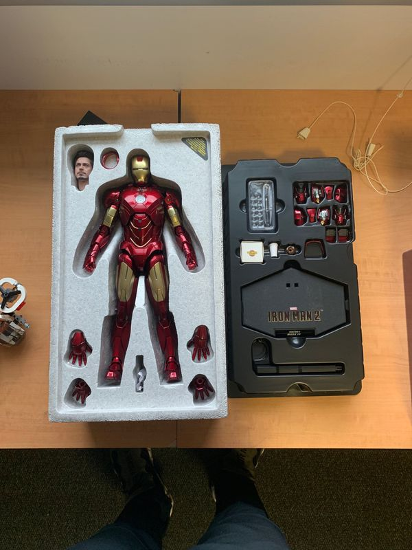 Hot toys MMS46D21 1/6th scale collectible figure markIV diecast