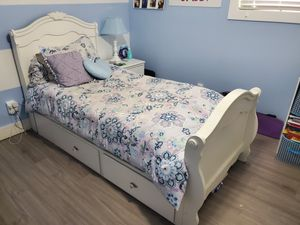 Twin bed white with mattress and under storage for Sale in Howell Township, NJ