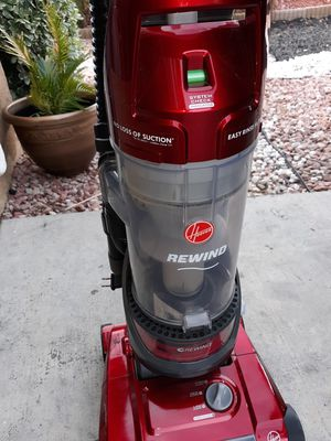 Hoover .... WindTunnel 2.... Rewind Bagless Upright Vacuum for Sale in Moreno Valley, CA
