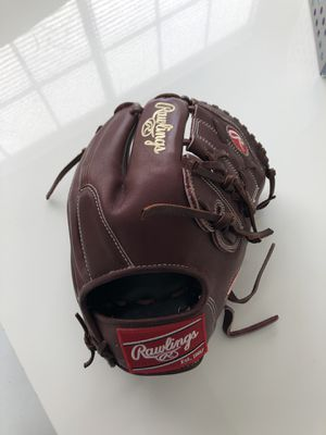 Baseball glove Rawlings. Heart of the hide New 11-3/4. for Sale in Clearwater, FL