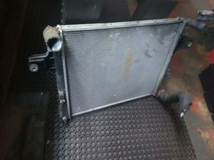 07 Jeep Commander radiator 3.7 for Sale in Cleveland, OH
