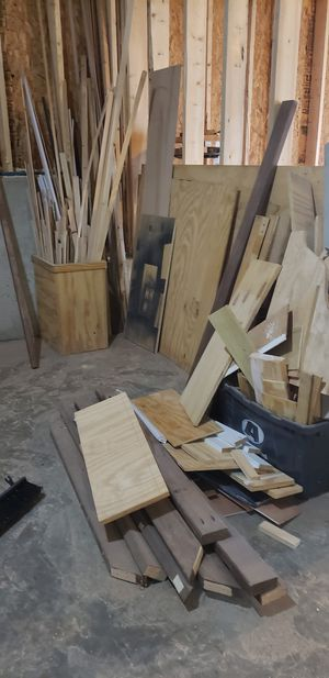 Free! Scrap wood / lumber for Sale in Hoschton, GA
