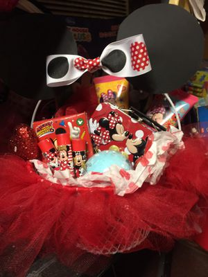 Valentine baskets for Sale in Haskell, AR