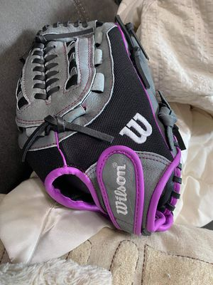 Wilson softball glove for Sale in Mechanicsburg, OH