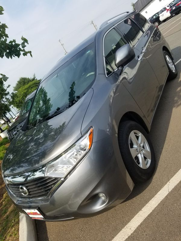 2017 Nissan Quest one owner clean Carfax