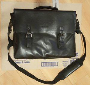 Kenneth Cole Reaction Leather Dual Compartment Laptop Bag for Sale in El Dorado, KS