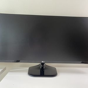 """LG 34"""" Class UltraWide IPS Gaming Monitor 34UM57-P for Sale in San Mateo, CA"""