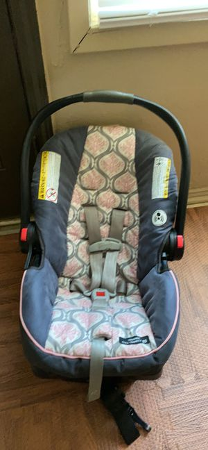 Car seat with base! for Sale in Tulsa, OK