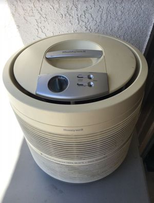 Honeywell Air Purifier Filter for Home or Office 390 sq ft! for Sale in Corona, CA