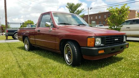 86 Toyota pick up for Sale in Winchester,  VA