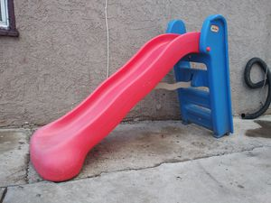 Foldable little tikes slide for Sale in San Bernardino, CA