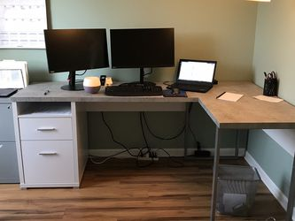 Monarch Specialties L-Shaped Computer Desk for Sale in Chalfont,  PA
