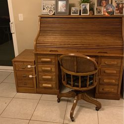 National My Airy Roll Top Desk W/ Side Cabinet, Rolling Chair for Sale in Dunedin,  FL