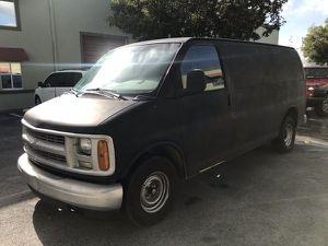 2001 Chevrolet Express 1500 VAN for Sale in Hialeah, FL