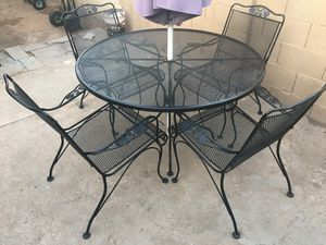 Outdoor Metal Table & 4 Metal Chairs W/ Unbrella for Sale in Phoenix, AZ
