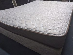 Queen mattress Hampton & Rhodes and box spring. Free delivery. for Sale in Orlando, FL