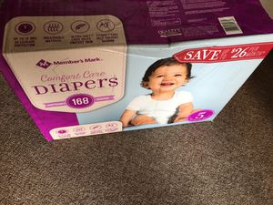 Pampers for Sale in Strongsville, OH