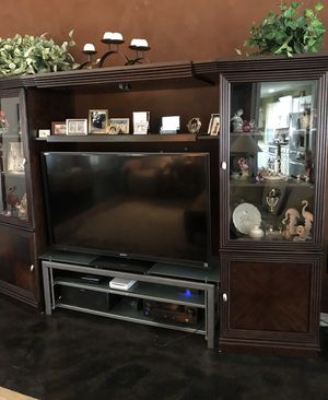 Lane TV Entertainment Center for Sale in Zephyrhills, FL