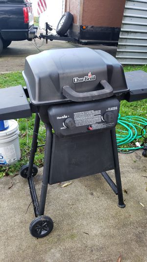 Gas grill. 1 yr old. Works fine. for Sale in Battle Ground, WA