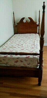 Twin bed - free, no gimics for Sale in Lewisville, TX