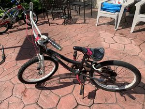 """Girl's 20"""" bike for Sale in OH, US"""