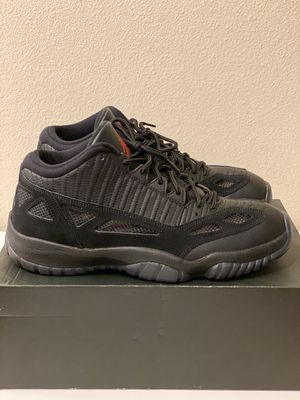 """Air Jordan 11 Retro Low """"Referee"""" Size 12 for Sale in San Diego, CA"""