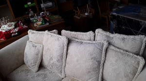 Coke white couch with pull out bed for Sale in Vallejo, CA
