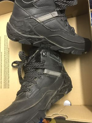 Women's Merrell Hiking Ice arctic Snow Boots Size 6 for Sale in Grand Prairie, TX